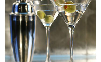 {PARTY STARTERS} Dirty Vodka Martini's & Roasted Garlic Hummus