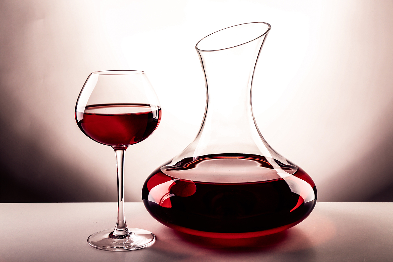 Guide to Decanting Wine The Posh Guide