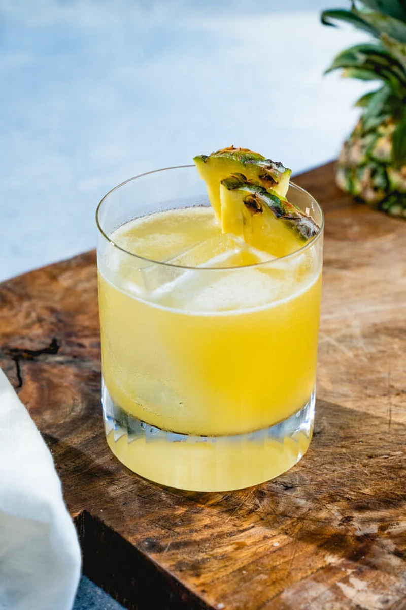 The 5 Best Citrus Cocktails to Make This Spring - Pineapple Margarita